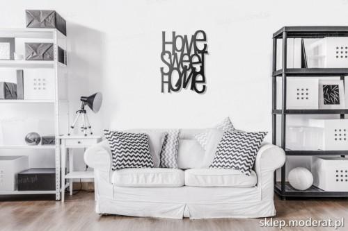 napis na ścianę Home sweet home w pokoju dziennym
